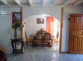 Distinguida Casa Habitacional en Costa Azul