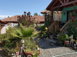 Hermosa y Amplia Casa Cercana a la Carretera en El Tabo